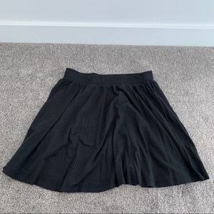 2/$10 - Forever 21 Black Circle/Skater Mini Skirt.